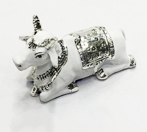 Traditional sculpture of Mini Nandi in White Terracotta Finish – 2.7×1.2×1.7 inch – Resin Silver