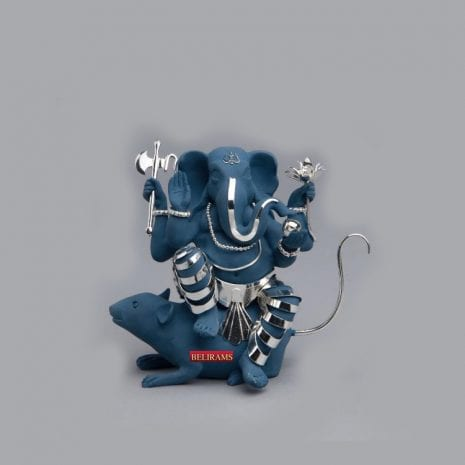 Elegant Silver Ganesh on Mouse | 5.5″