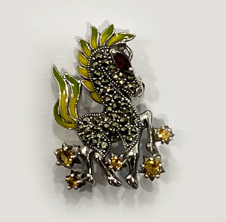 Beautiful Animal Brooch Semi Stones  30×35 mm