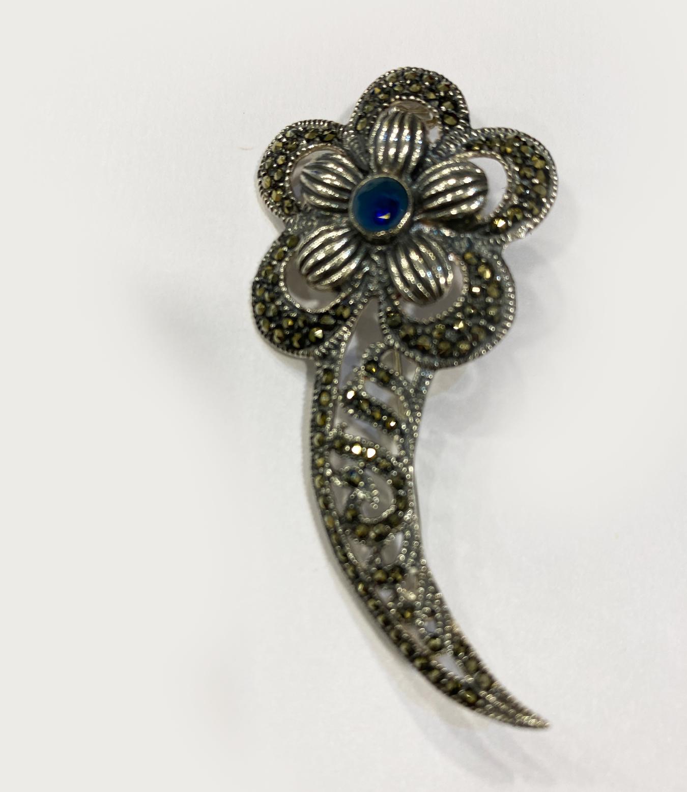 Fine Silver Flower Brooch   60x30mm