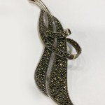 Beautiful Silver Leaf Brooch | 80x30mm
